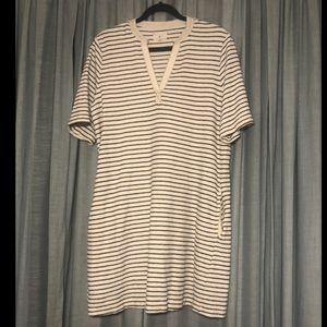 Lou & Grey shift dress